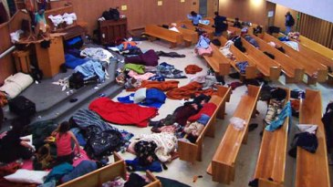 Photo credit: http://www.cbc.ca/gfx/images/news/photos/2008/12/24/bc-081224-homeless-shelter-church1-FULL.jpg